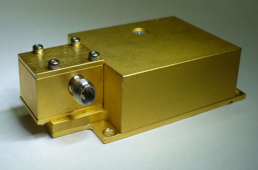 Microwave Utra Broadband Amplifier img 1